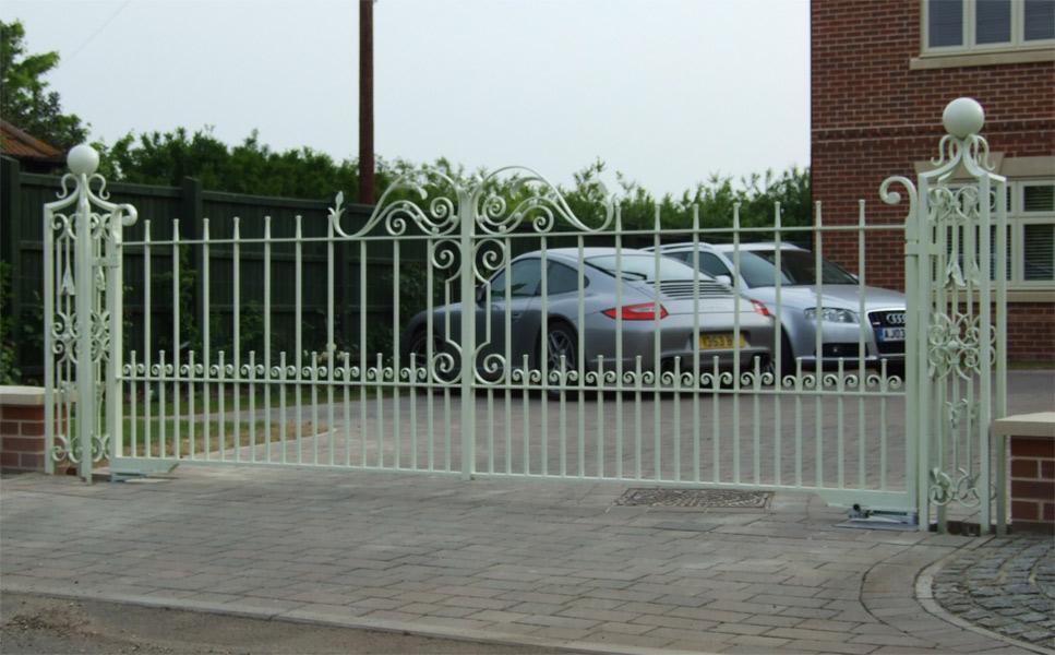 Home Design Gate Ideas: Wrought Iron Gates And Railings